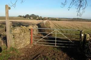 Footpath to Folly Farm