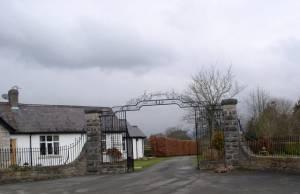 Gates to Plas Llanrhydd