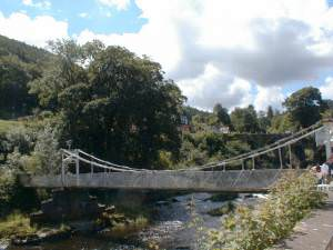 Chain Bridge, Berwyn