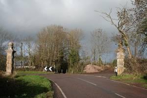 Shute: stone gateposts