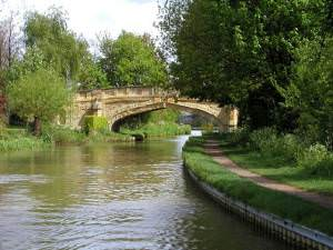 Cosgrove on the Southern Grand Union Canal