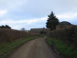 Approaching Cock Road Farm