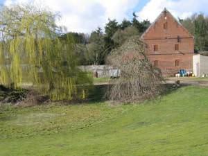 Barmer Farm, Barmer
