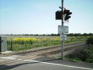 Level crossing on the R.H.D.R.