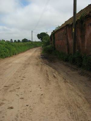 Road past Stonegate Farm buildings