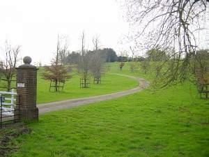 Doddington Place driveway