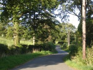 Lane leading east from Ffarmers village