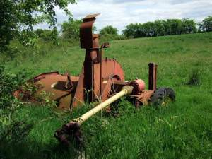 Abandoned farm machinery, Bwlch Cae Brith